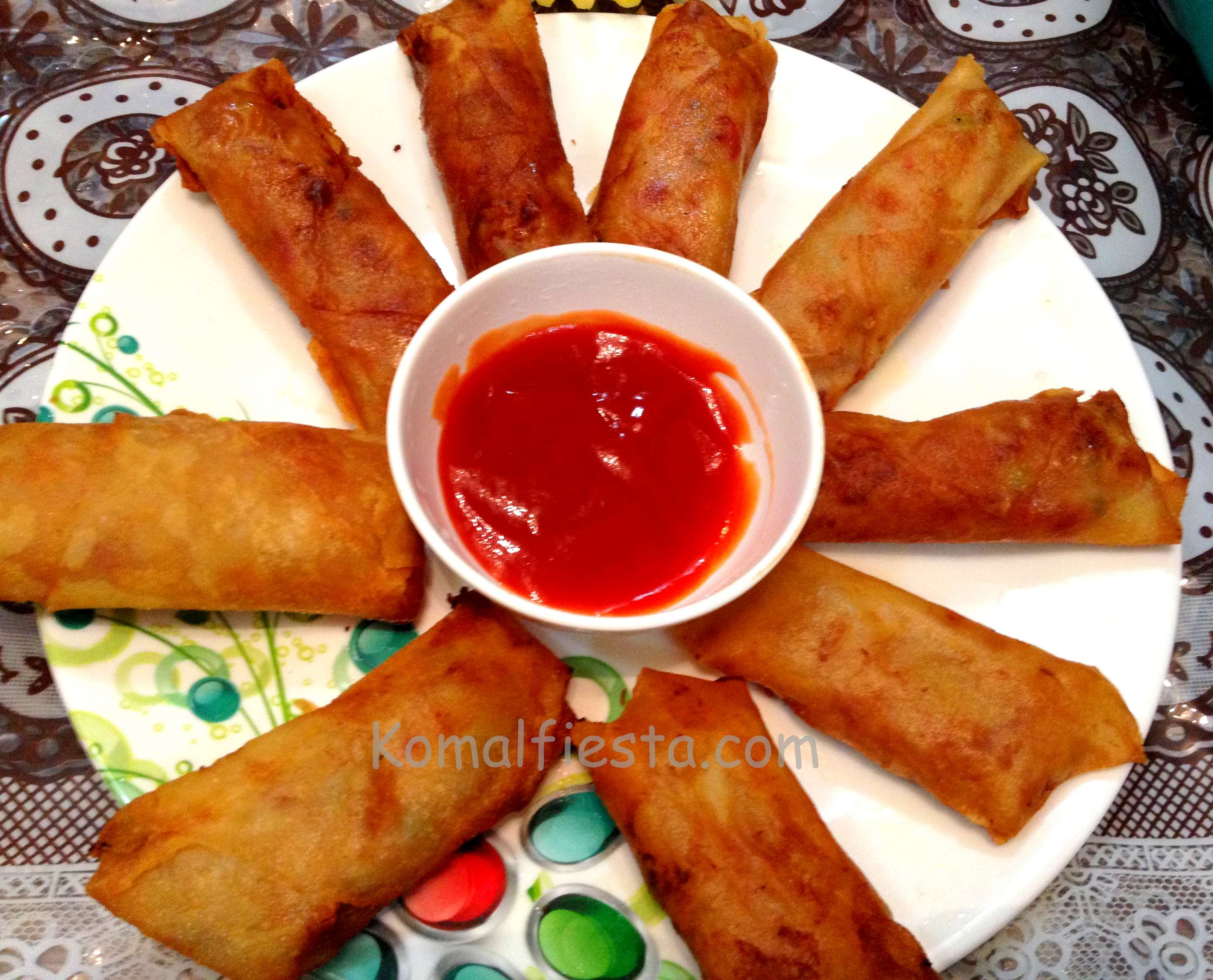 Chinese spring roll komalfiesta spring rolls a classic chinese dish that is enjoyed by everyone children in particular i have kept the filling for the spring rolls really simple and forumfinder Image collections
